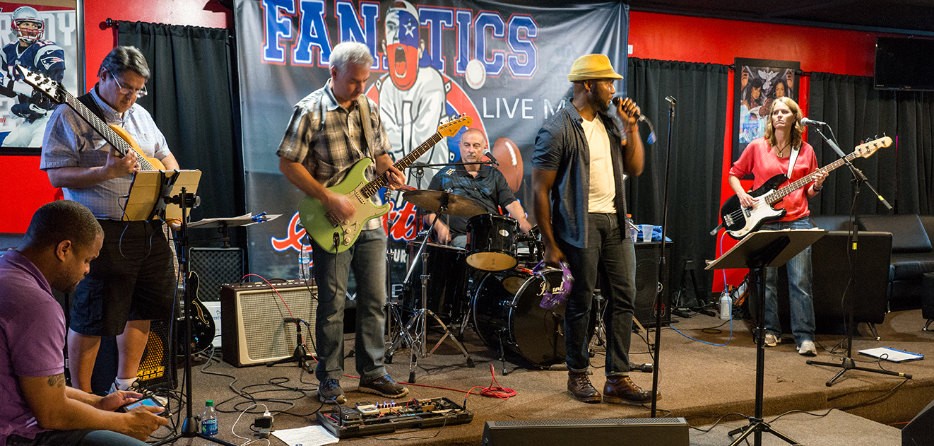Chequered Blue at Fanatics, Photo by Alex Neely